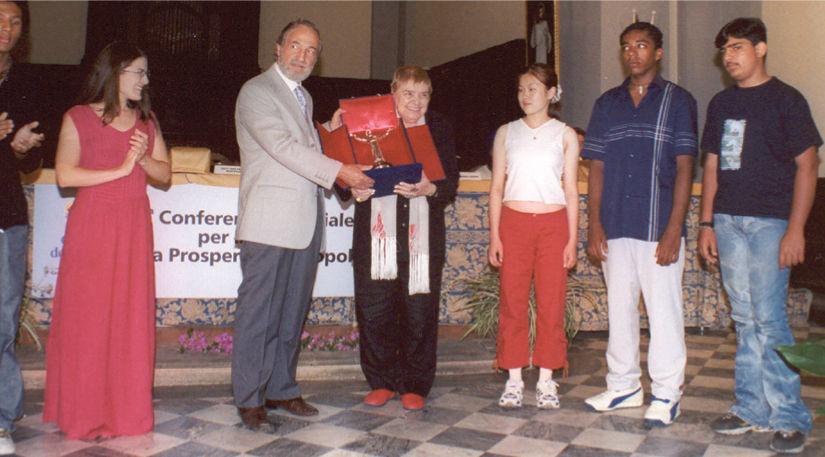 Conferinţe şi celebrări mondiale