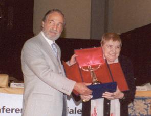 FERNANDA PIVANO - PREMIUL ARTĂ STIINȚĂ ȘI PACE 2002